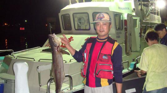 鴻達興六號海釣船10