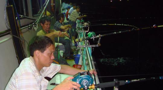 鴻達興六號海釣船03