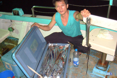 鴻達興六號海釣船05